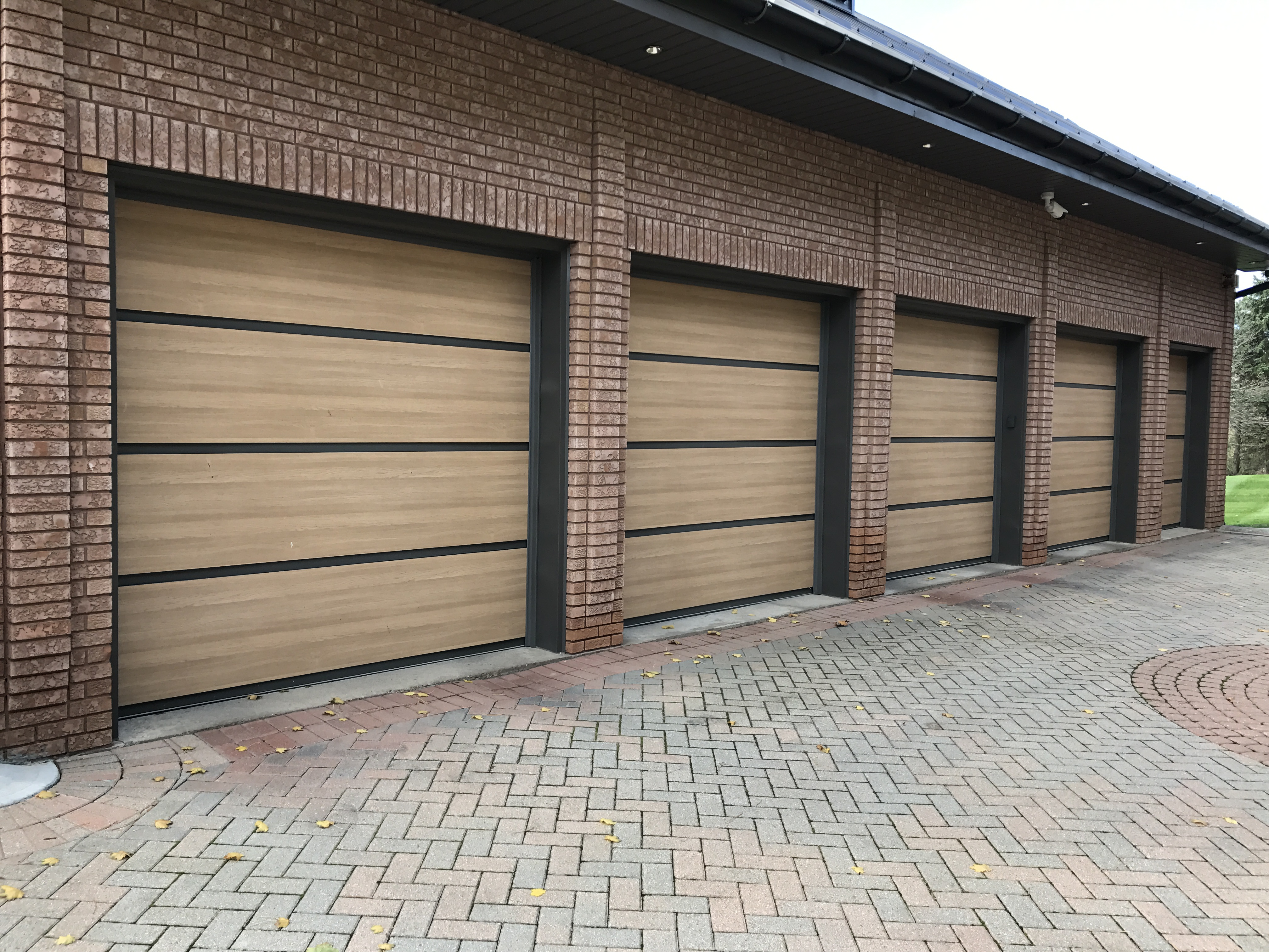 Modern Contemporary Garage Doors Facade Door Systems